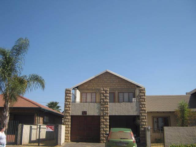 3 Bedroom House To Rent in Lydenburg