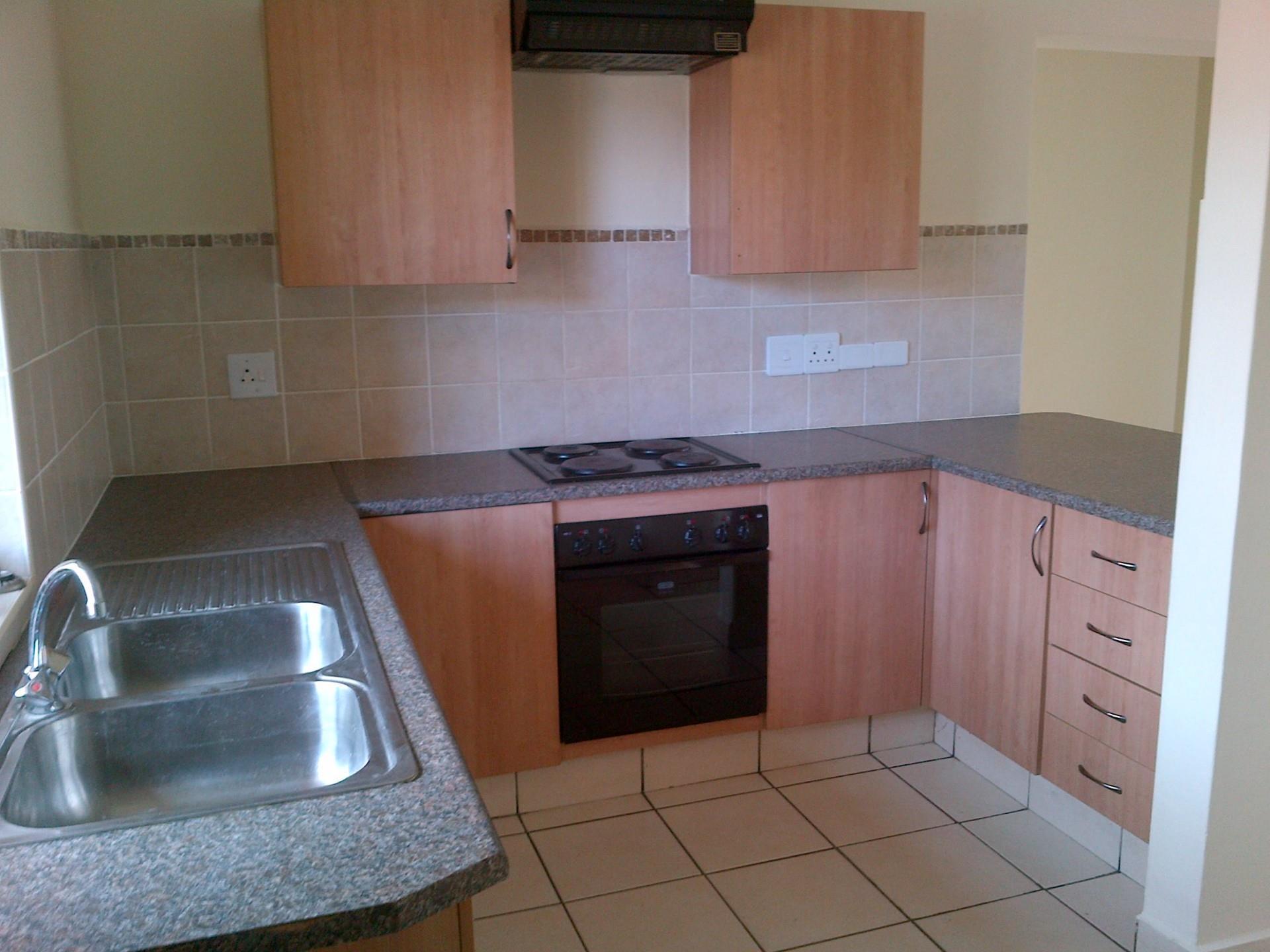 3 Bedroom Flat For Sale in Lydenburg