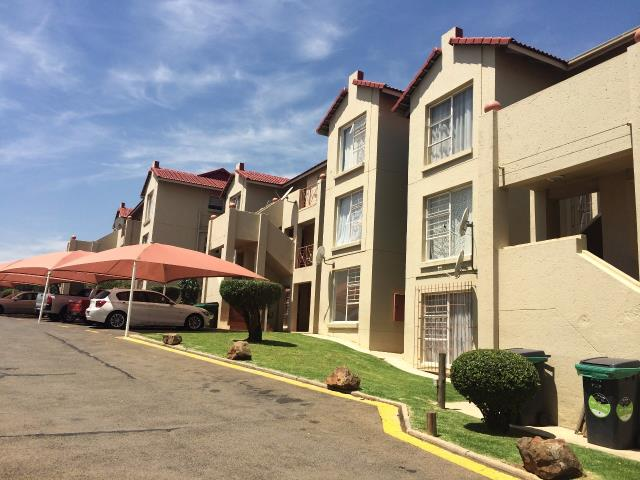 Property and houses for sale in bassonia johannesburg for Bassonia south africa
