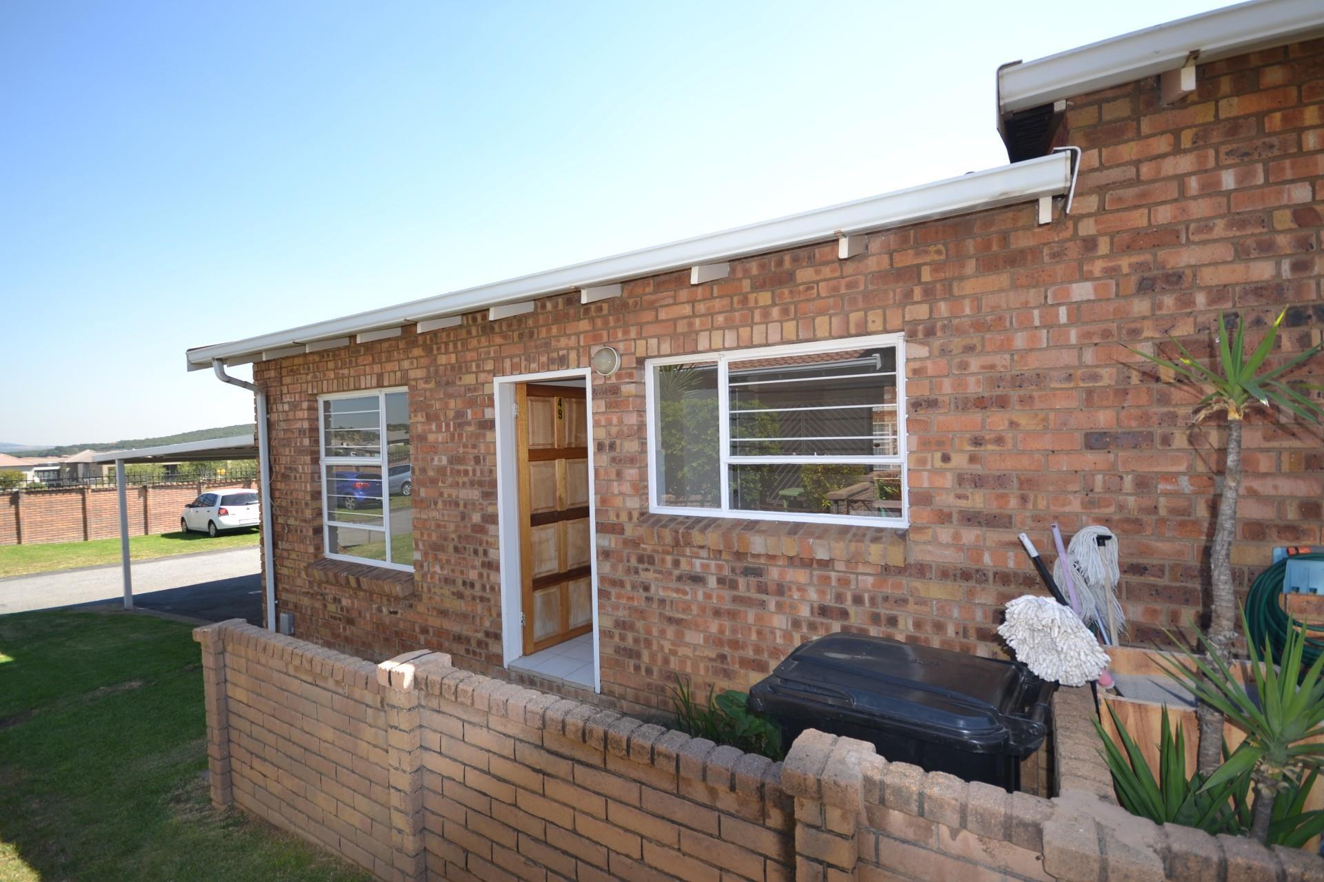 2 Bedroom Townhouse To Rent in Liefde En Vrede
