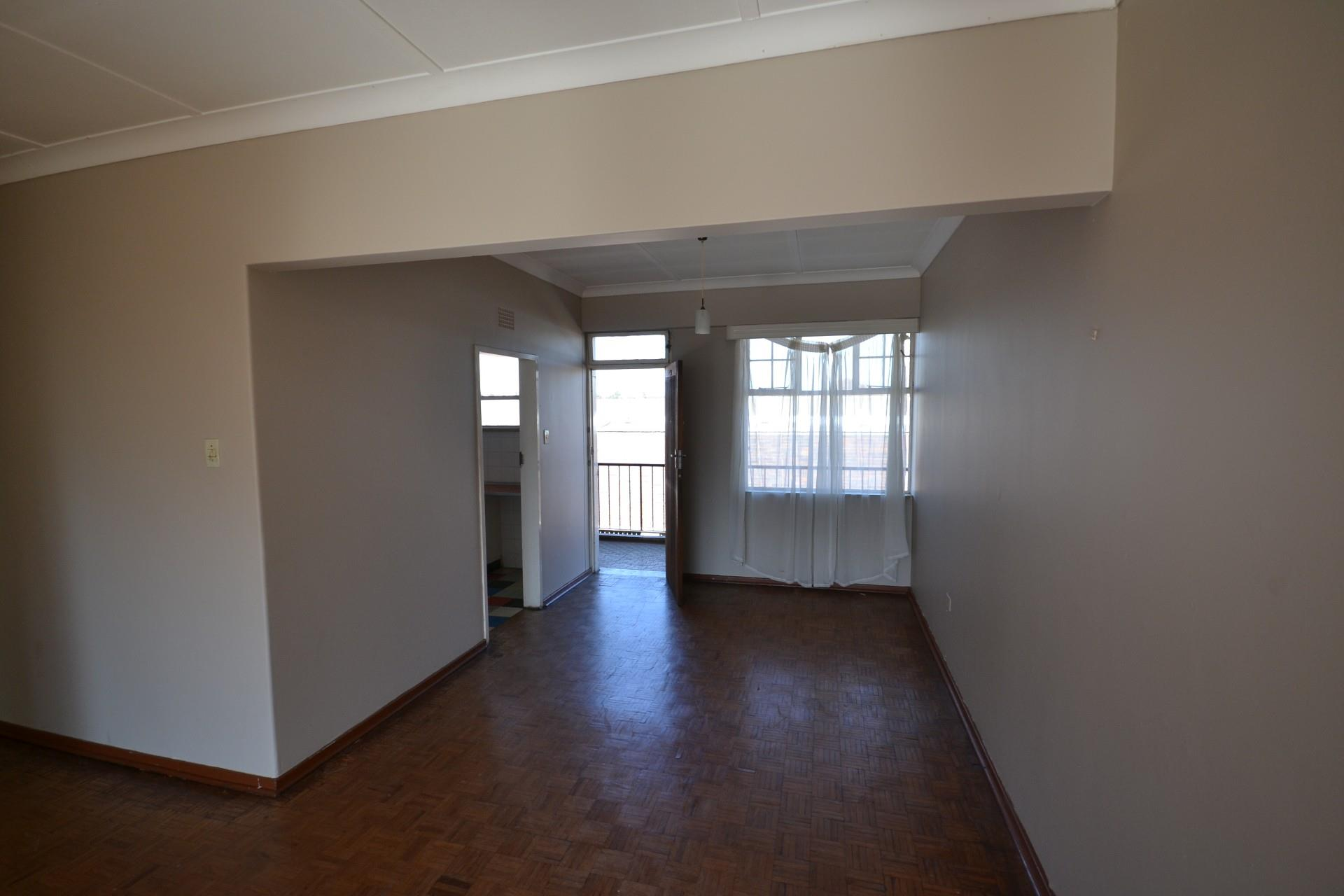 2 Bedroom Apartment / Flat To Rent in Florida Lake