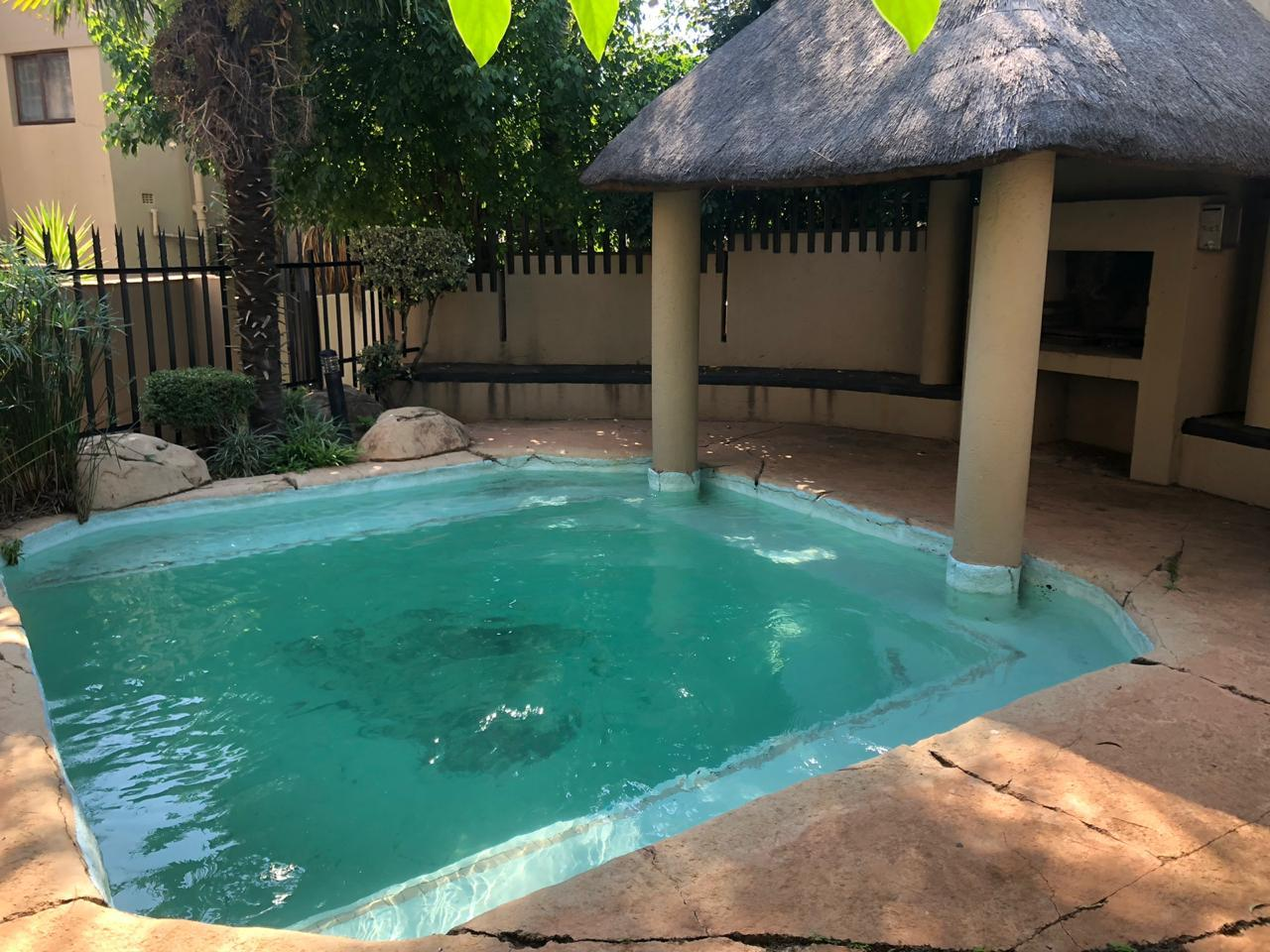 2 Bedroom Town house For Sale in Glenvista
