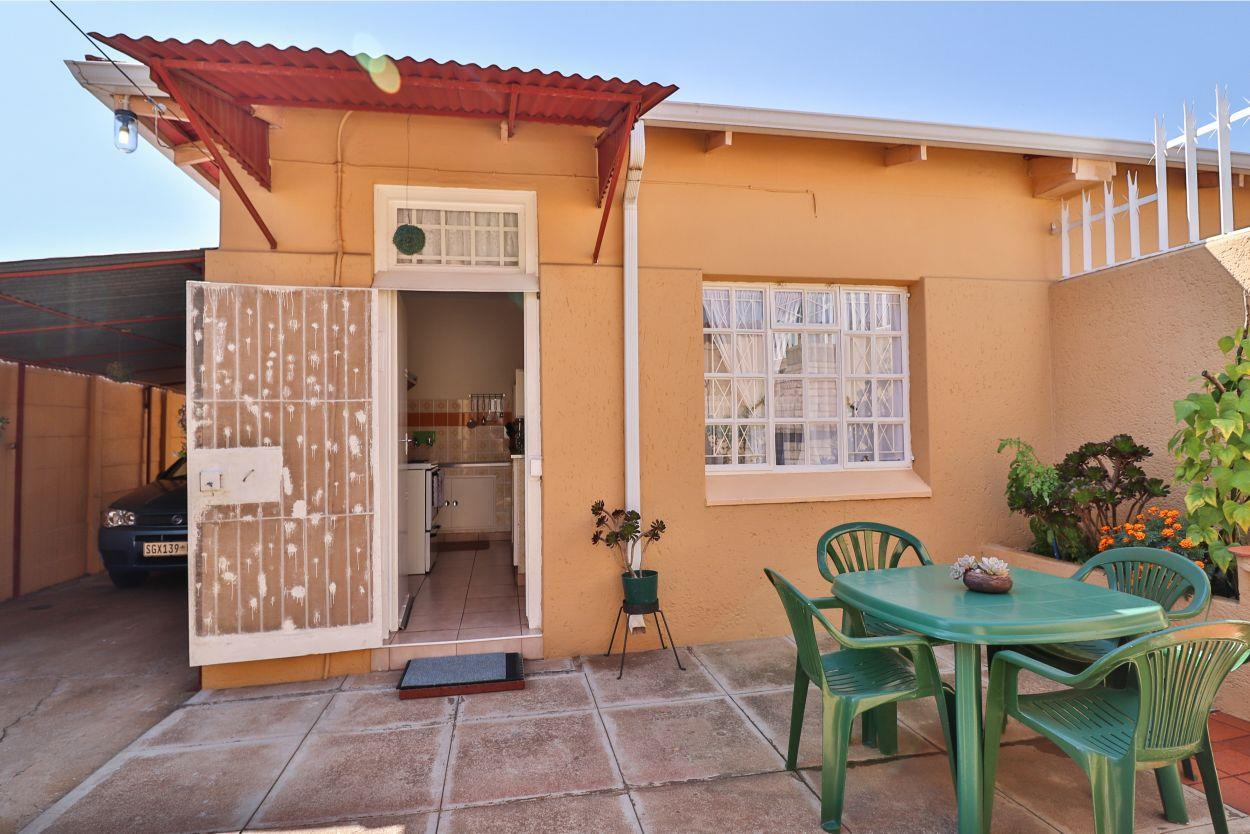 2 Bedroom House For Sale in Turffontein