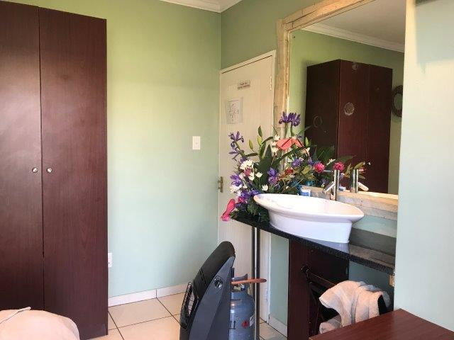 Guest House in New Redruth For Sale