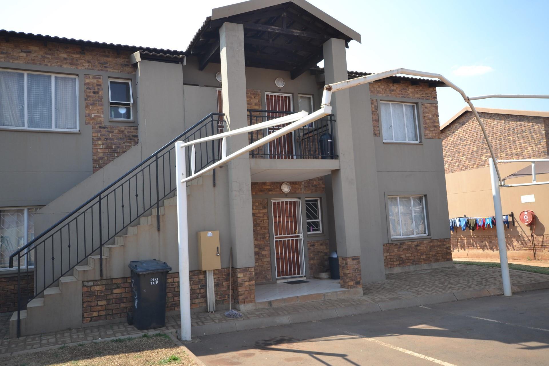 2 Bedroom House To Rent in Protea Glen