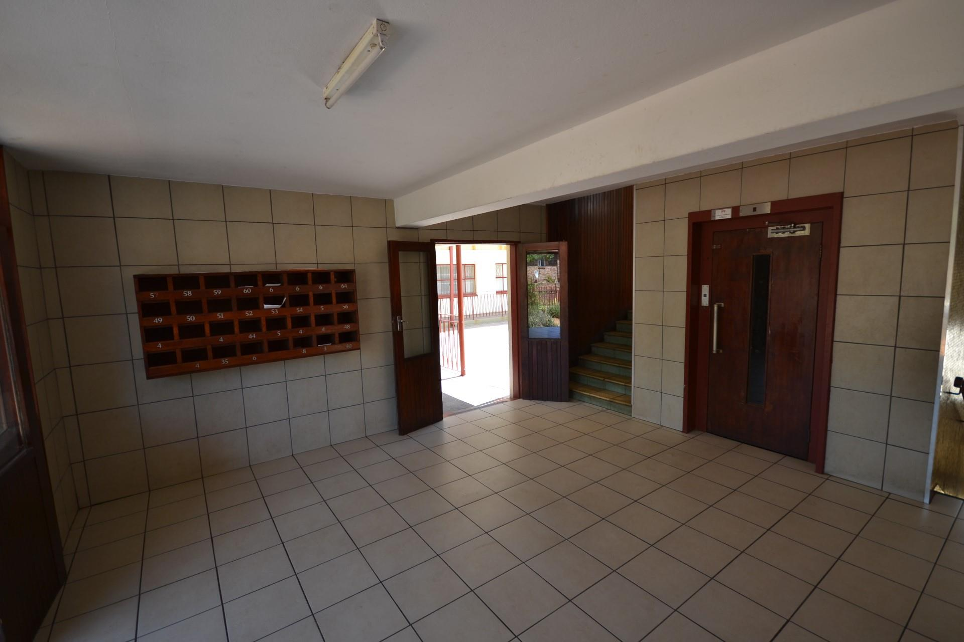 2 Bedroom Apartment / Flat To Rent in Randburg Central