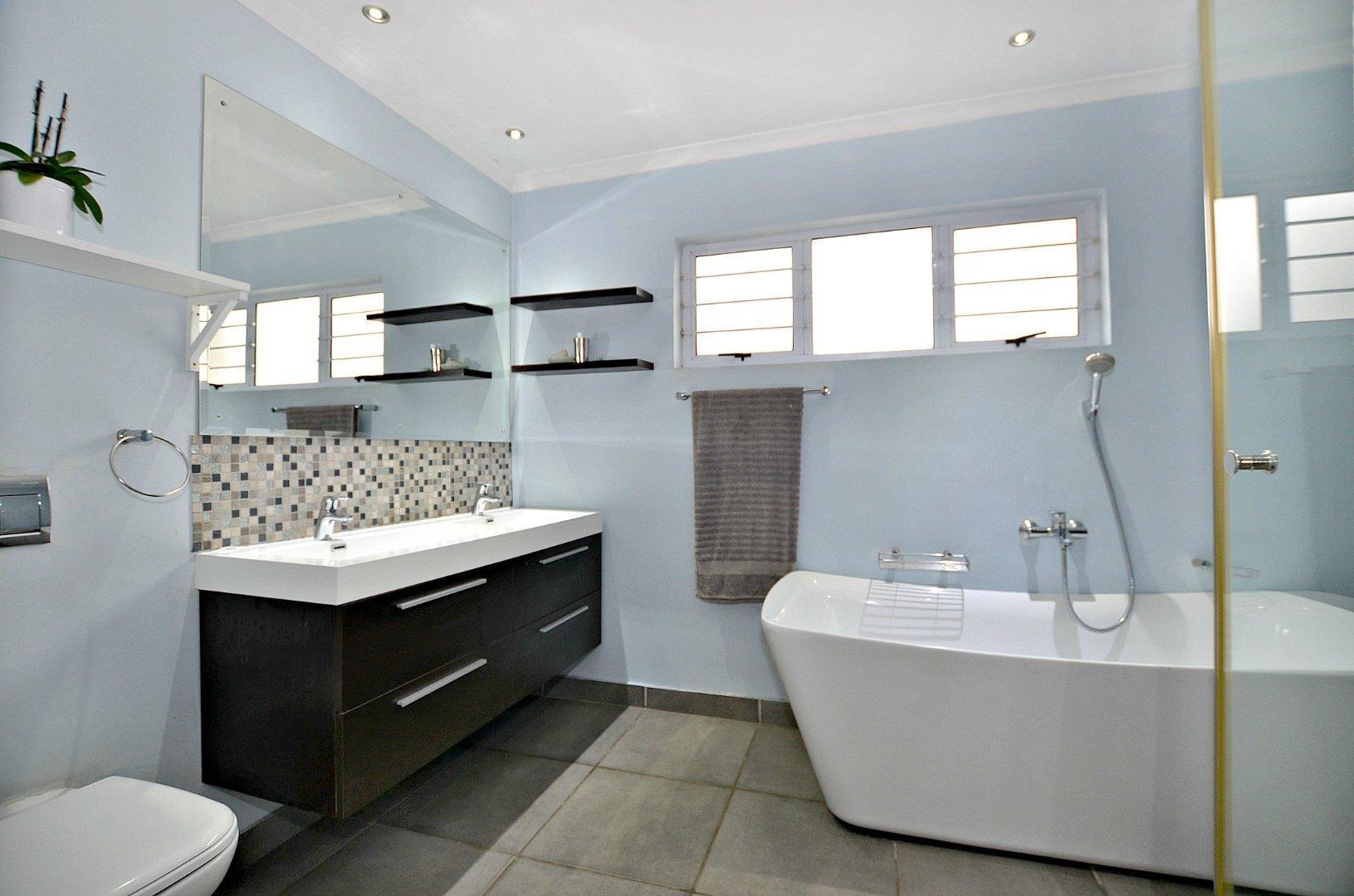 4 Bedroom House For Sale in Langeberg Ridge