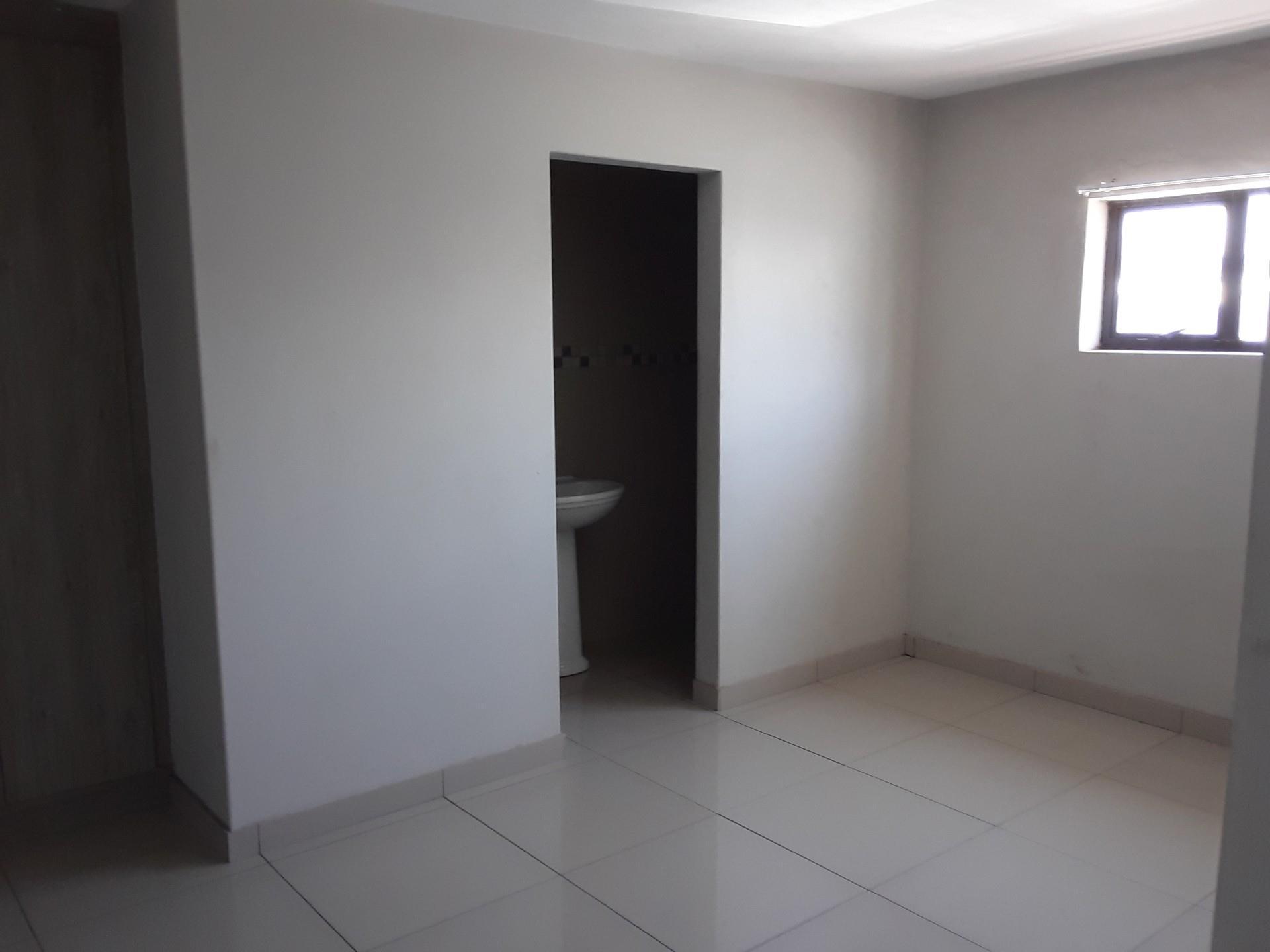 3 Bedroom Apartment / Flat To Rent in Vredenburg