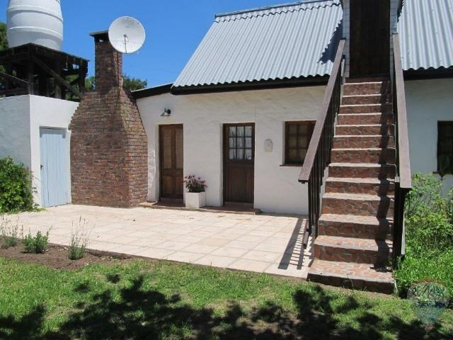 2 Bedroom House To Rent in Buffalo Bay