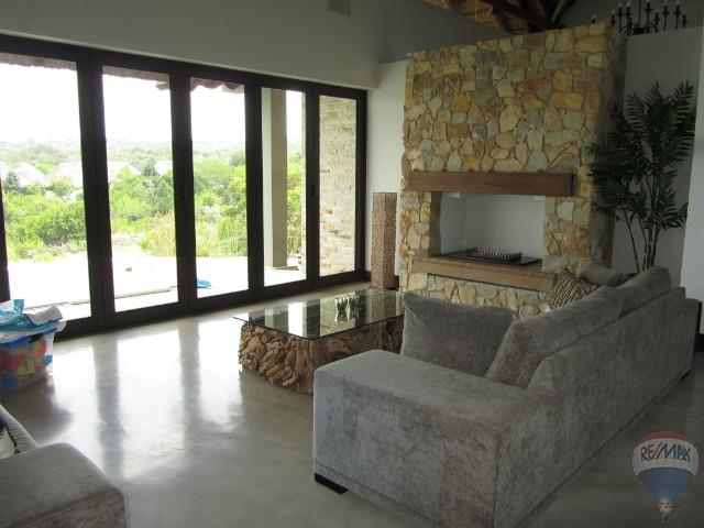 5 Bedroom House To Rent in Pezula Private Estate