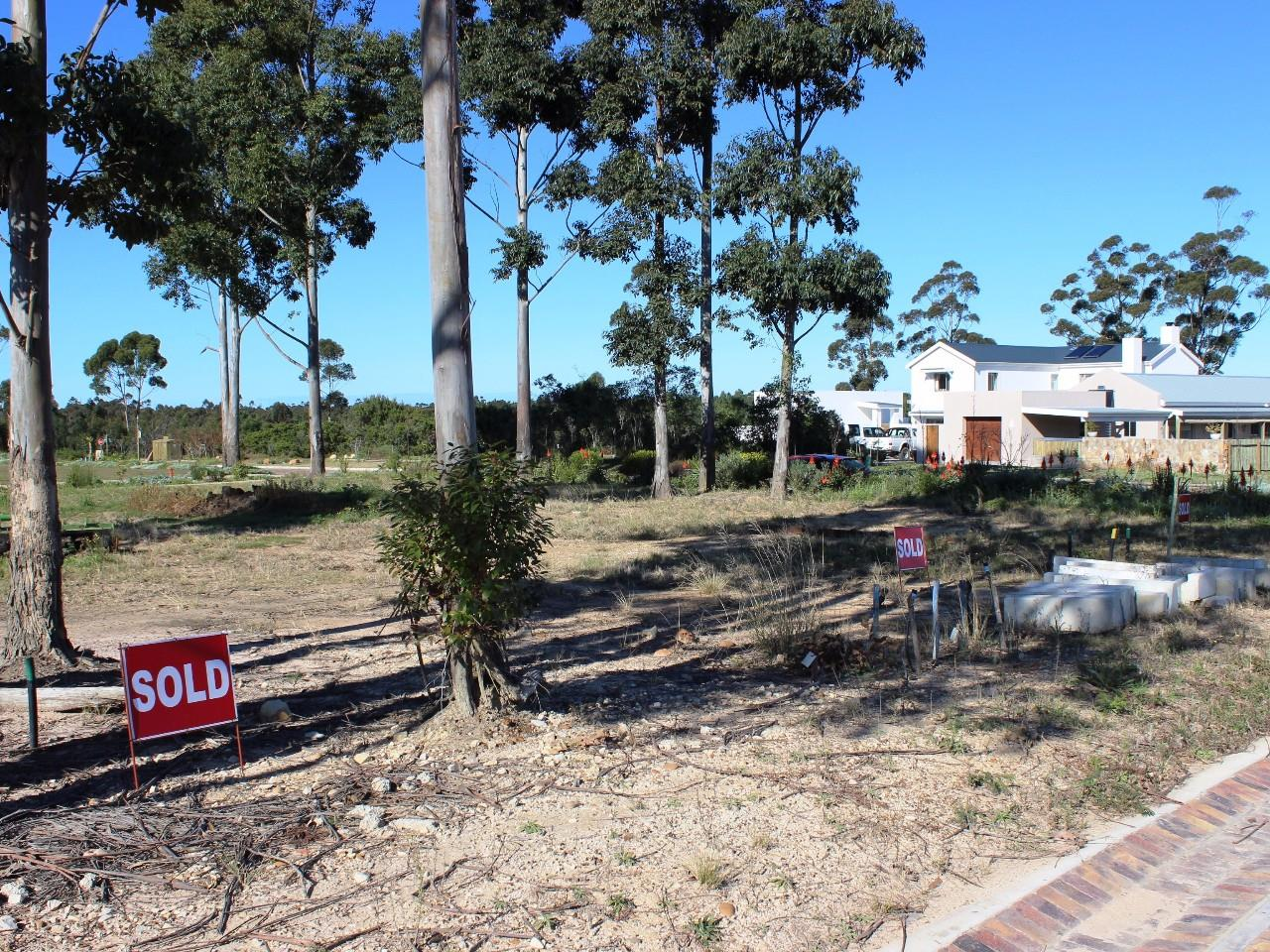 Vacant Land / Plot in Thornhill For Sale