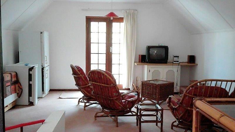 2 Bedroom House To Rent in Belvidere Estate
