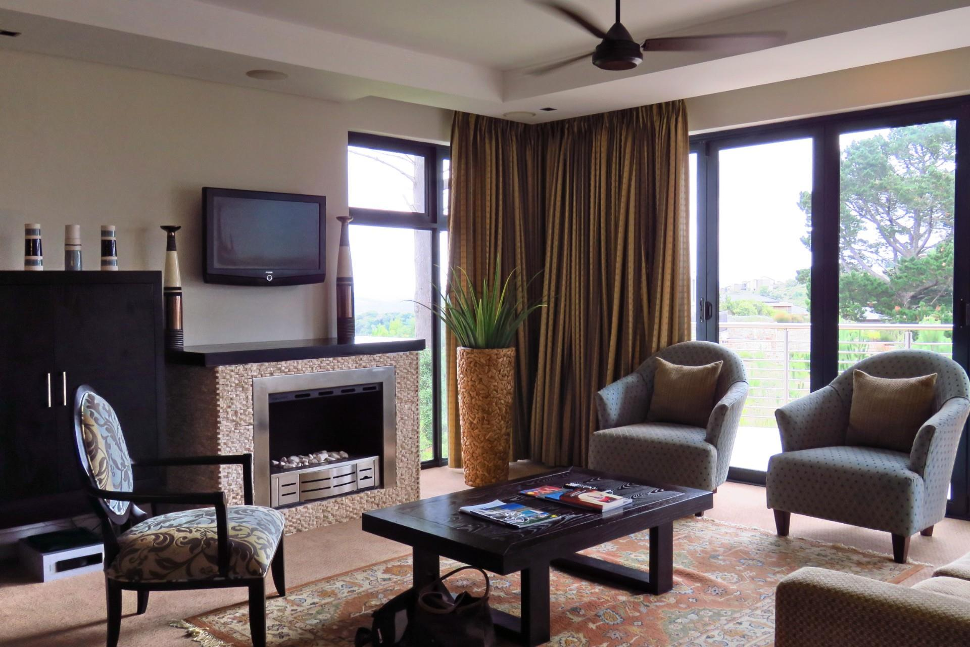 2 Bedroom Apartment For Sale in Simola