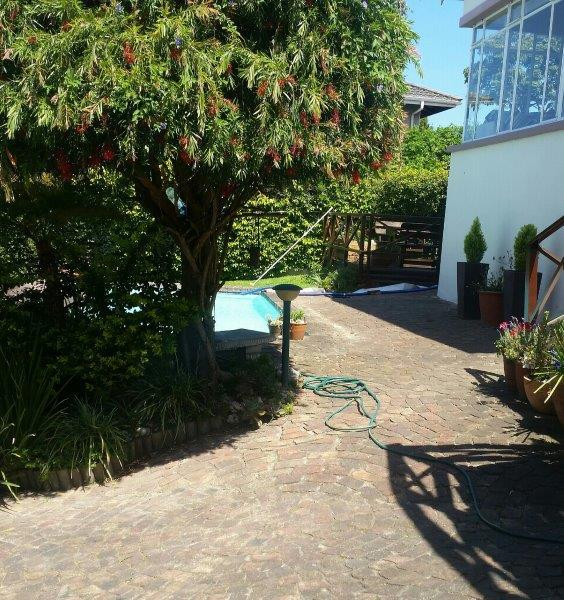 Garden Cottage in Heuwelkruin To Rent