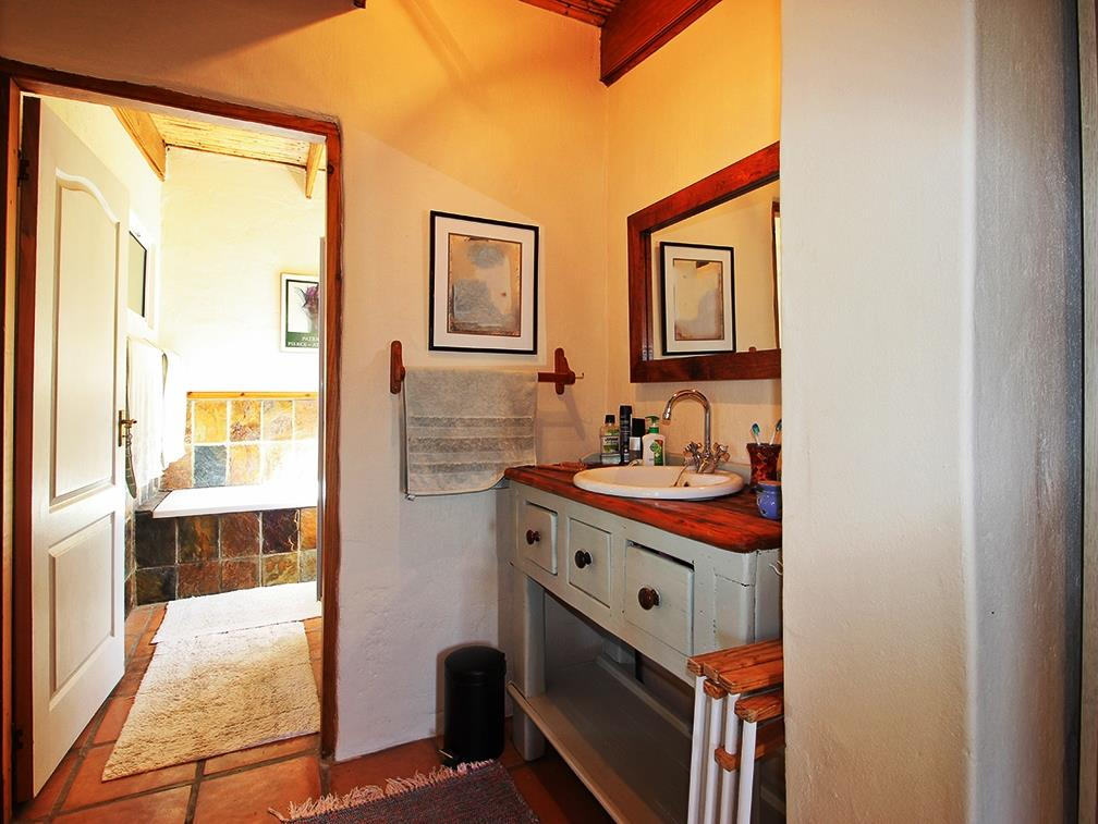 4 Bedroom House For Sale in Eastford Vale