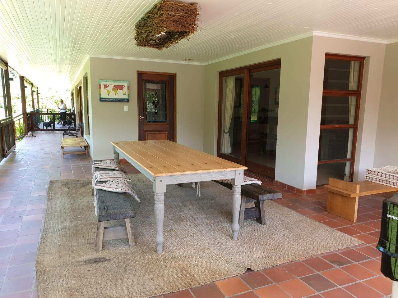 Guest House in Hunters Home For Sale