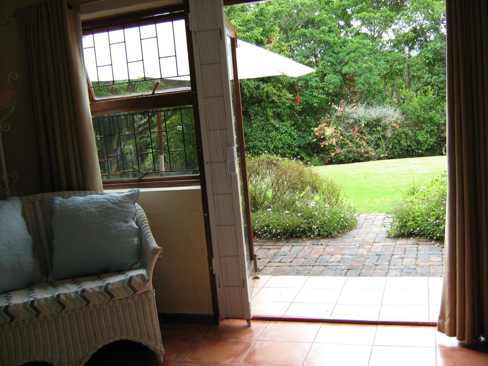 Studio in Hunters Home To Rent