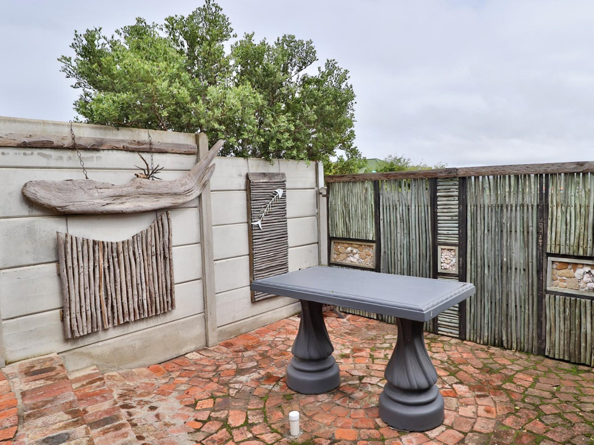 4 Bedroom House For Sale in Sedgehill