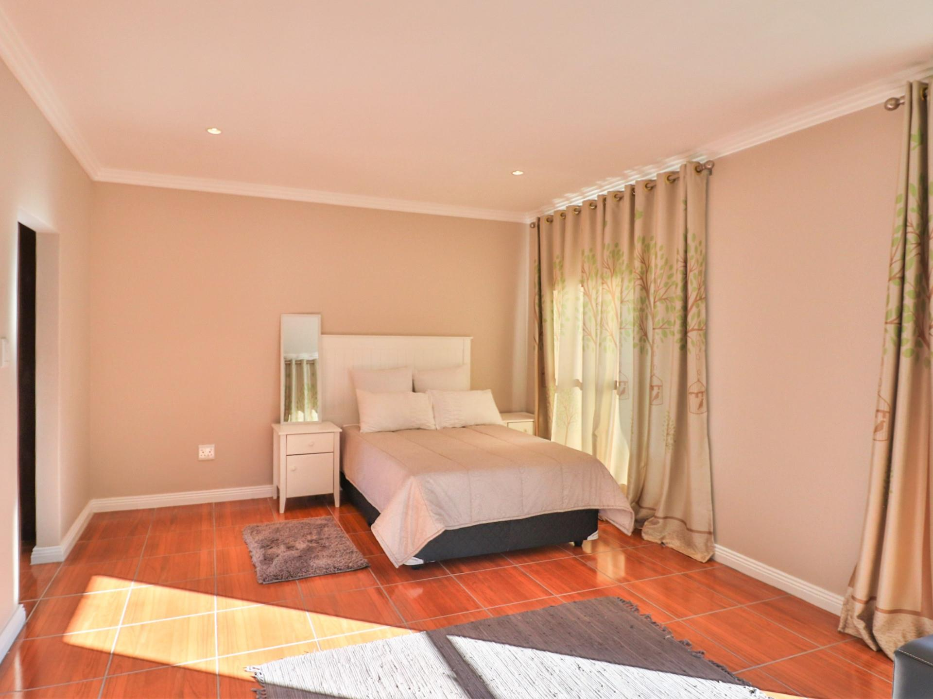 3 Bedroom House For Sale in Pezula Golf Estate