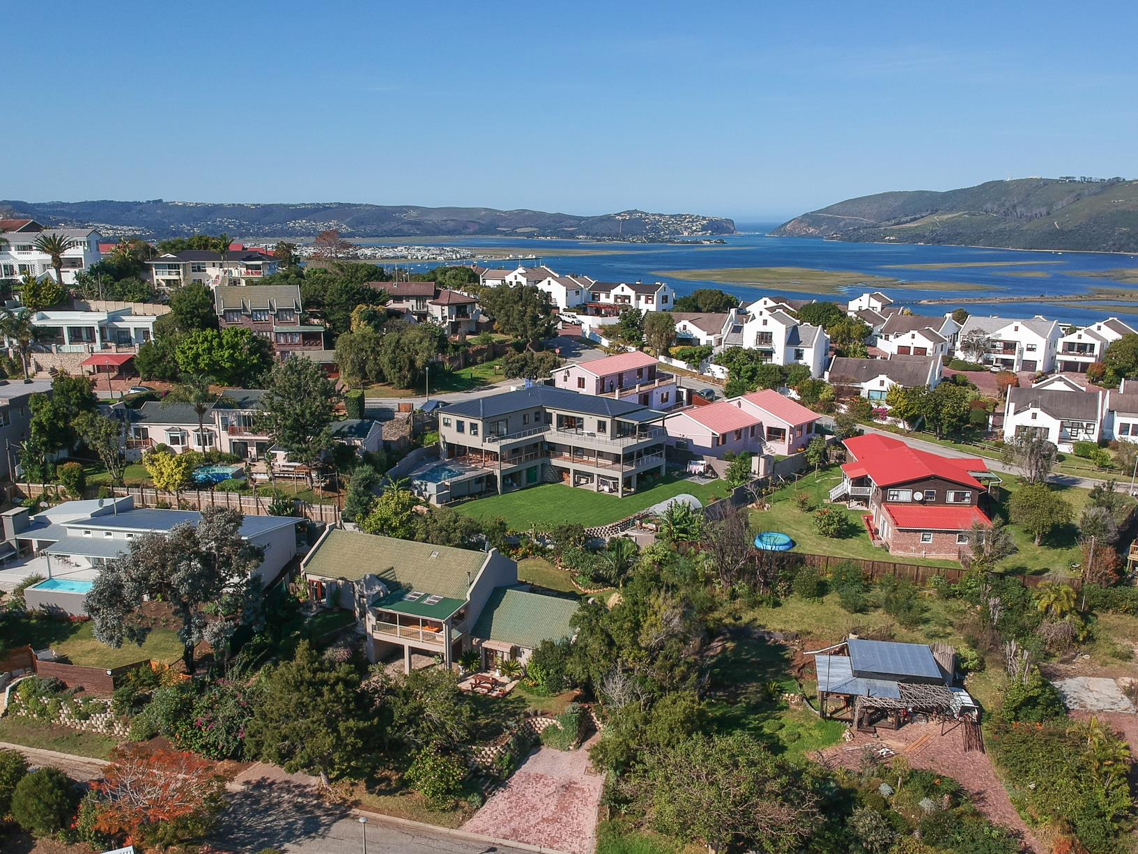 5 Bedroom House For Sale in Knysna Heights