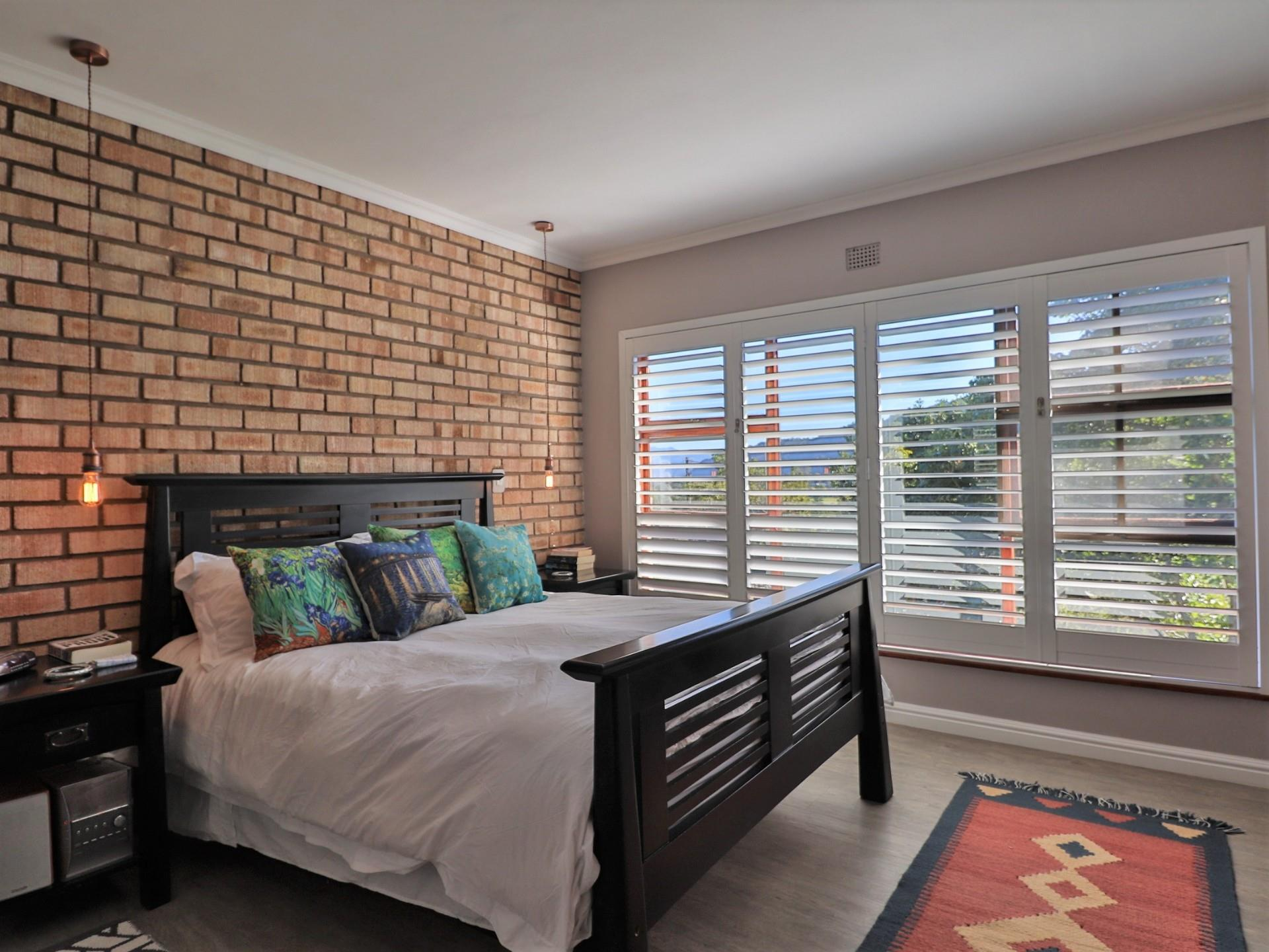 4 Bedroom House For Sale in The Village