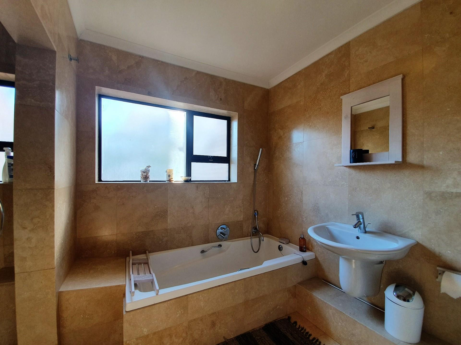4 Bedroom Townhouse For Sale in Brenton On Sea