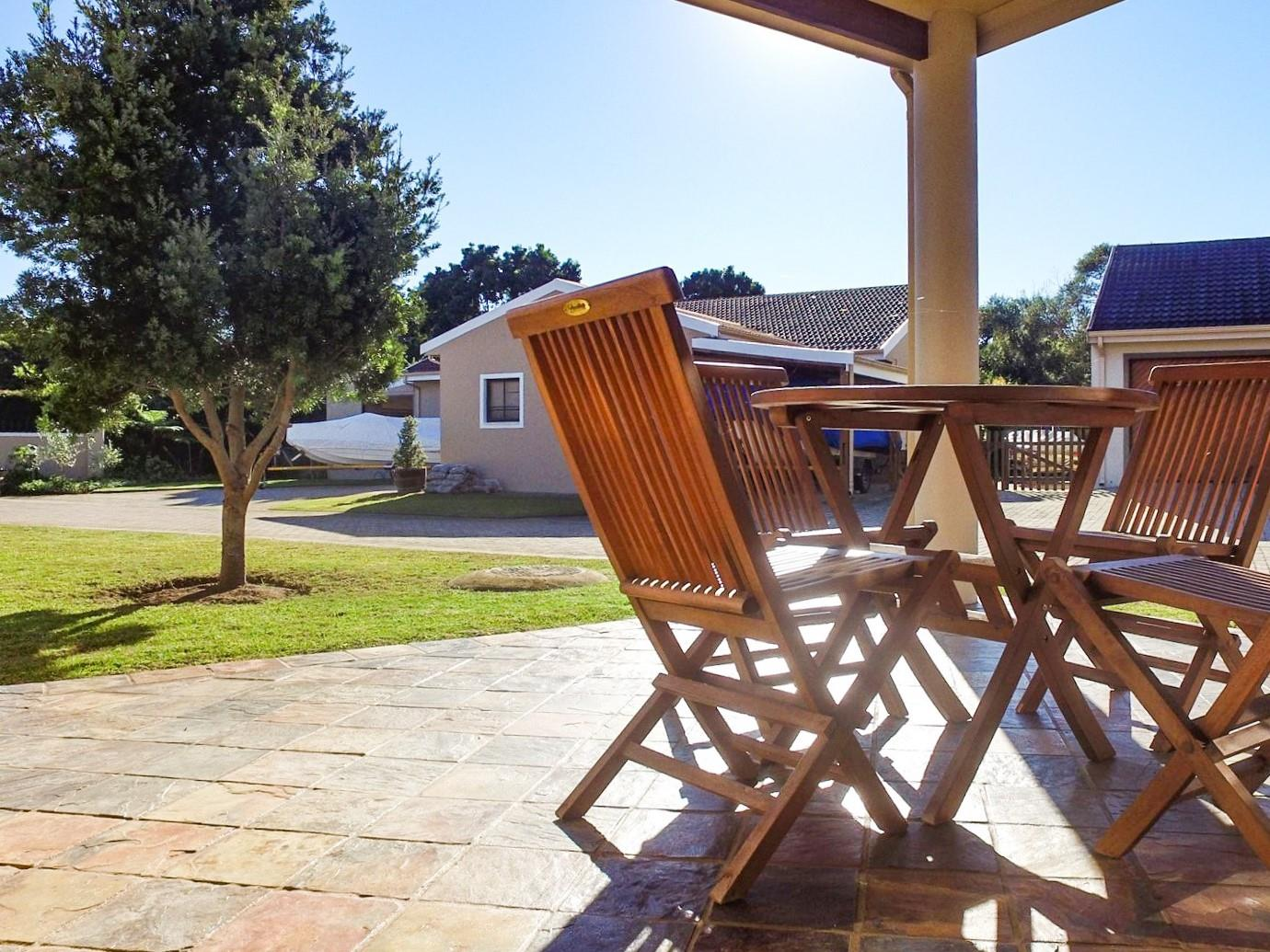 3 Bedroom House For Sale in Brenton On Lake
