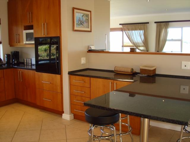 4 Bedroom House To Rent in Pezula Golf Estate