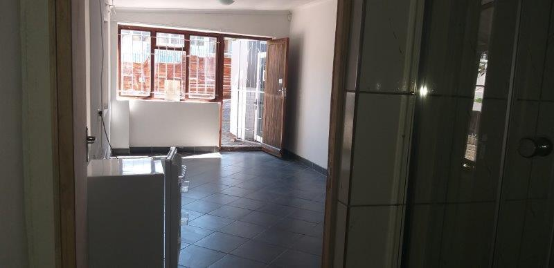 1 Bedroom Flat To Rent in Knysna Central