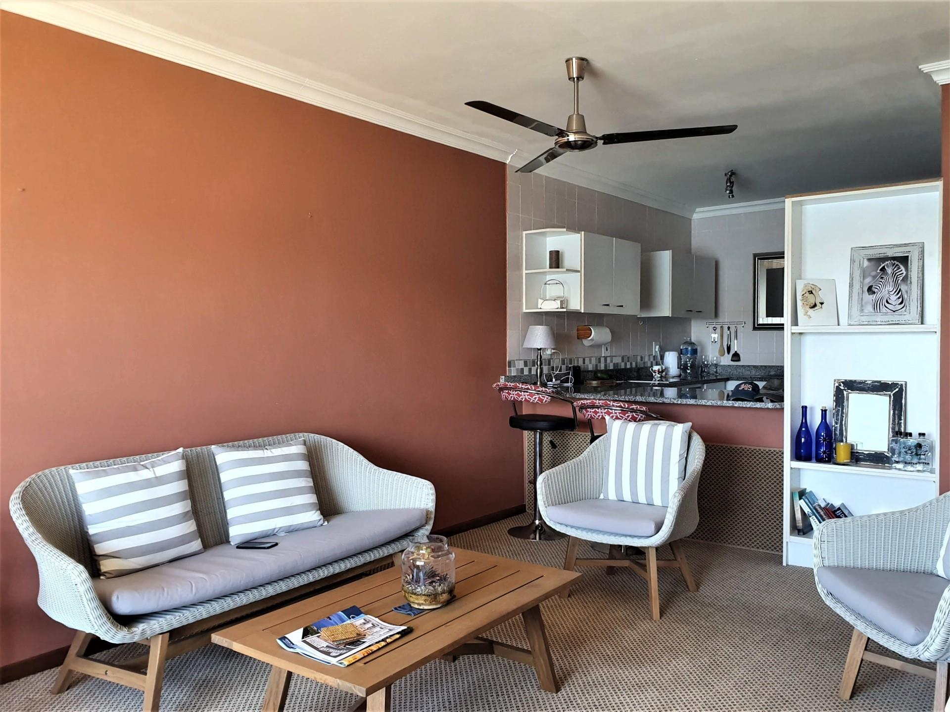 3 Bedroom Apartment For Sale in Knysna Central