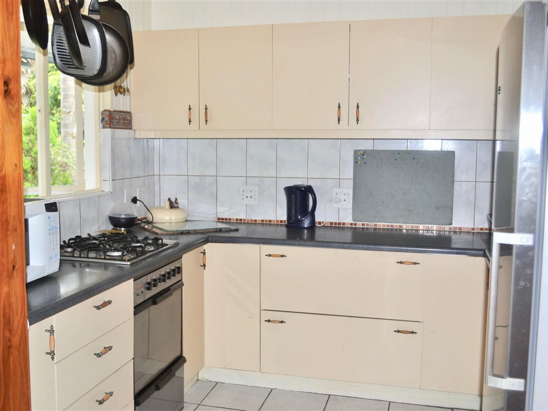 8 Bedroom House For Sale in Old Place