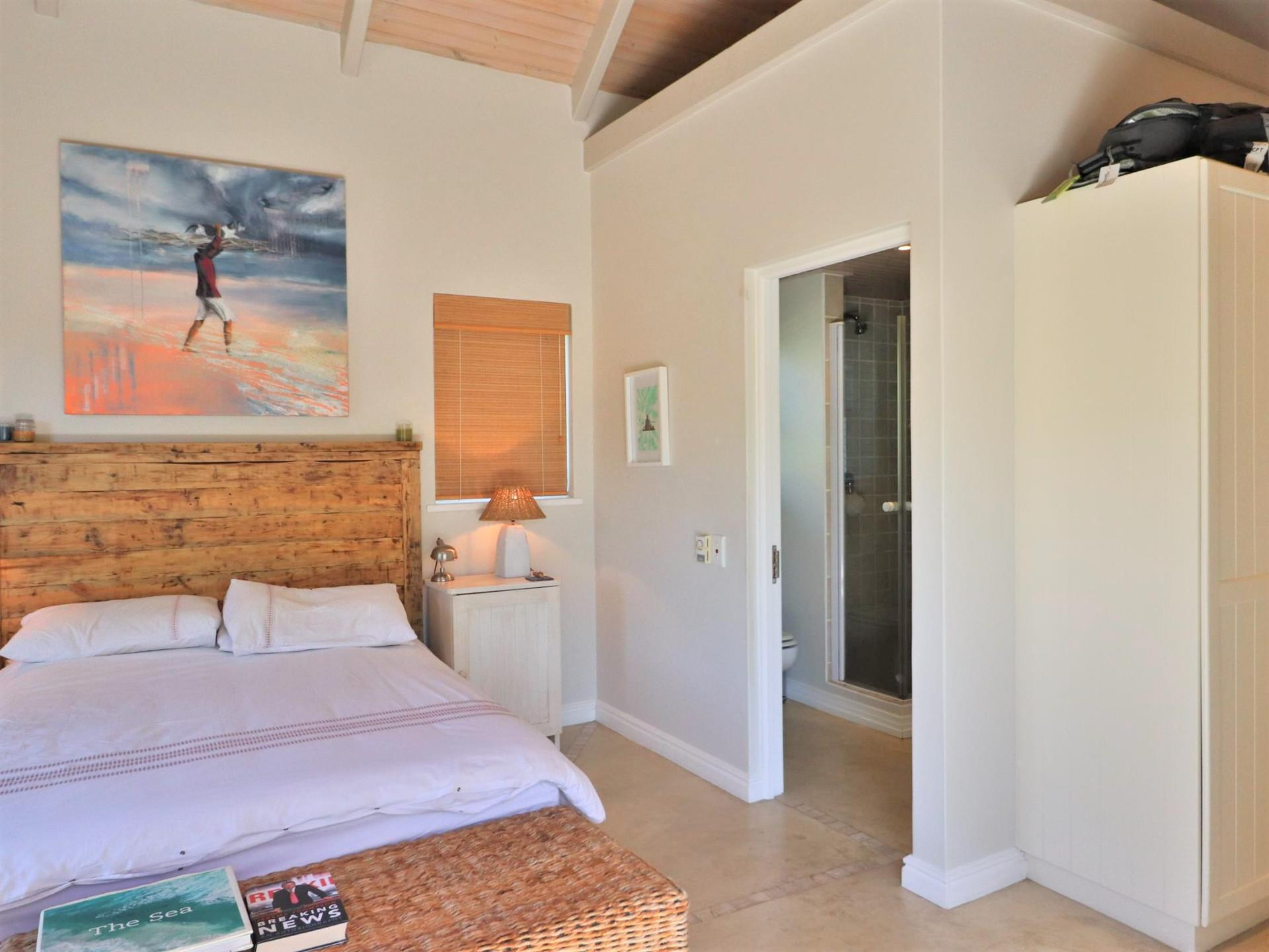 4 Bedroom House For Sale in Thesen Island