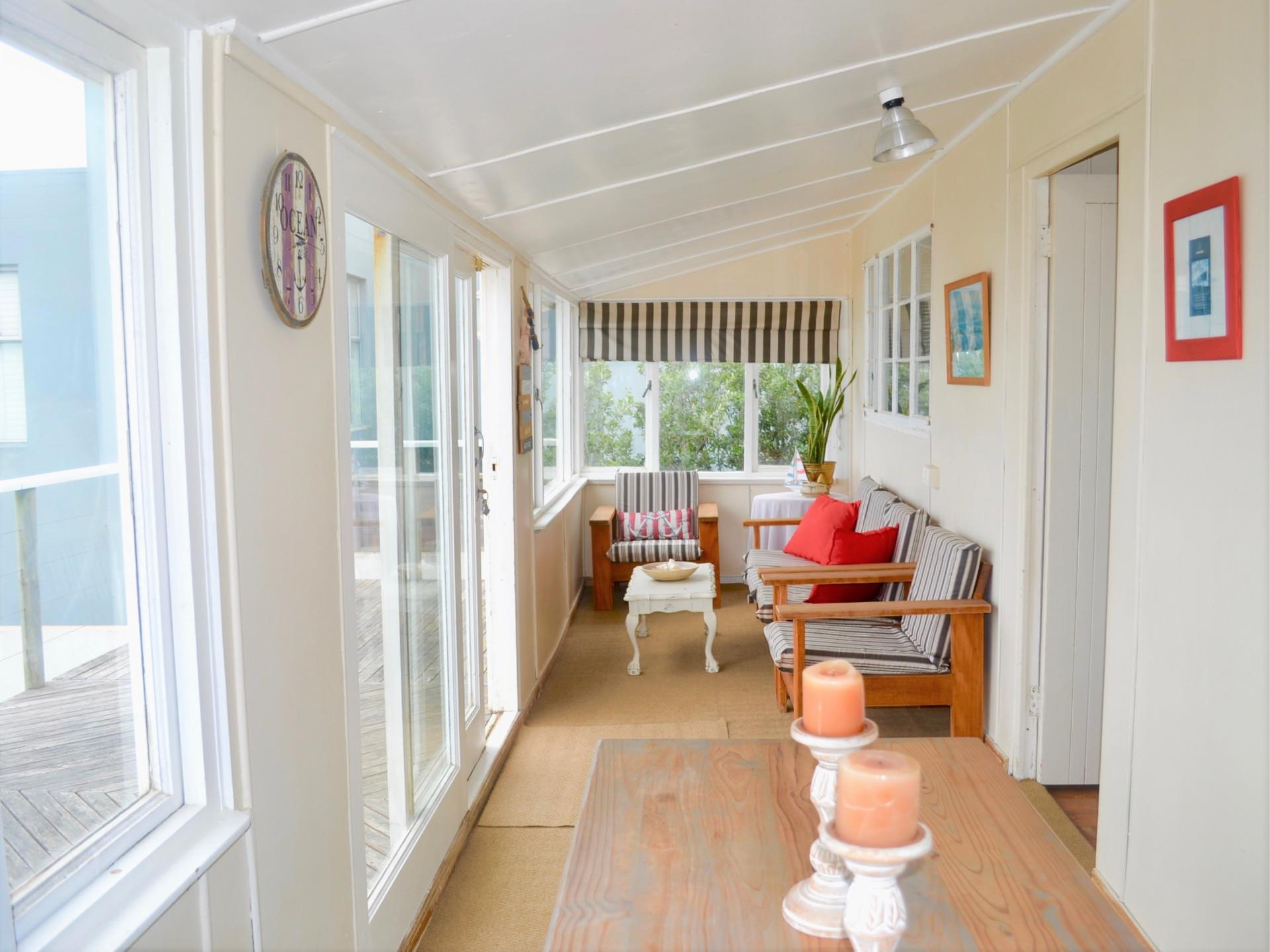 6 Bedroom House For Sale in Buffalo Bay