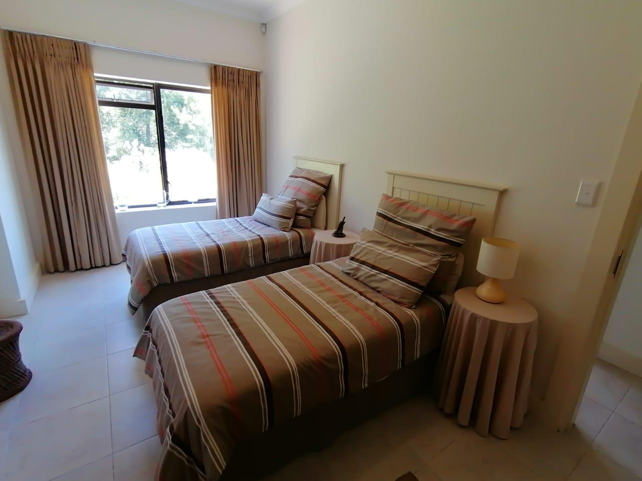 2 Bedroom House To Rent in Simola