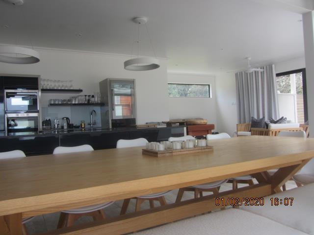 4 Bedroom House To Rent in Brenton On Lake