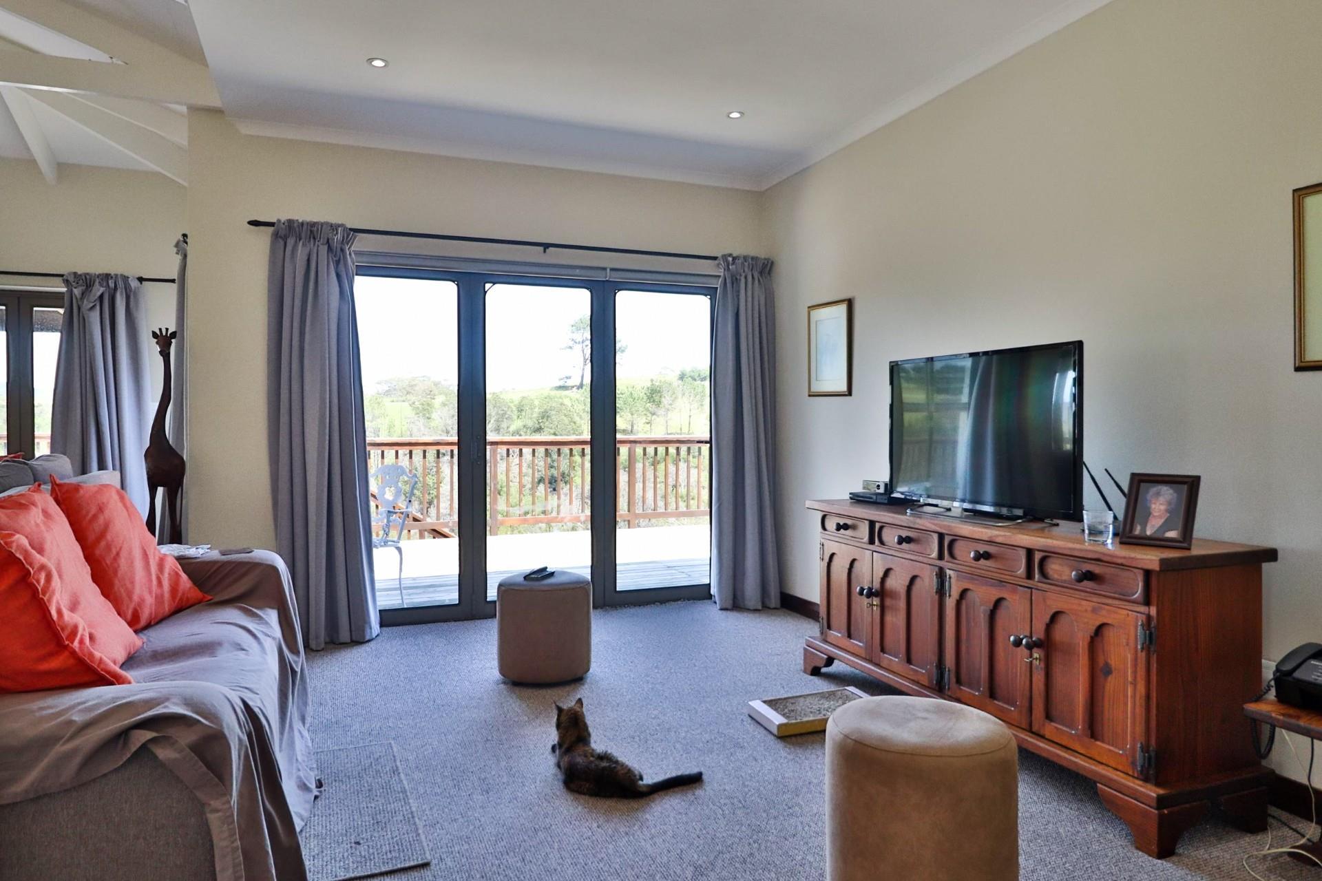 3 Bedroom House For Sale in Eastford Glen