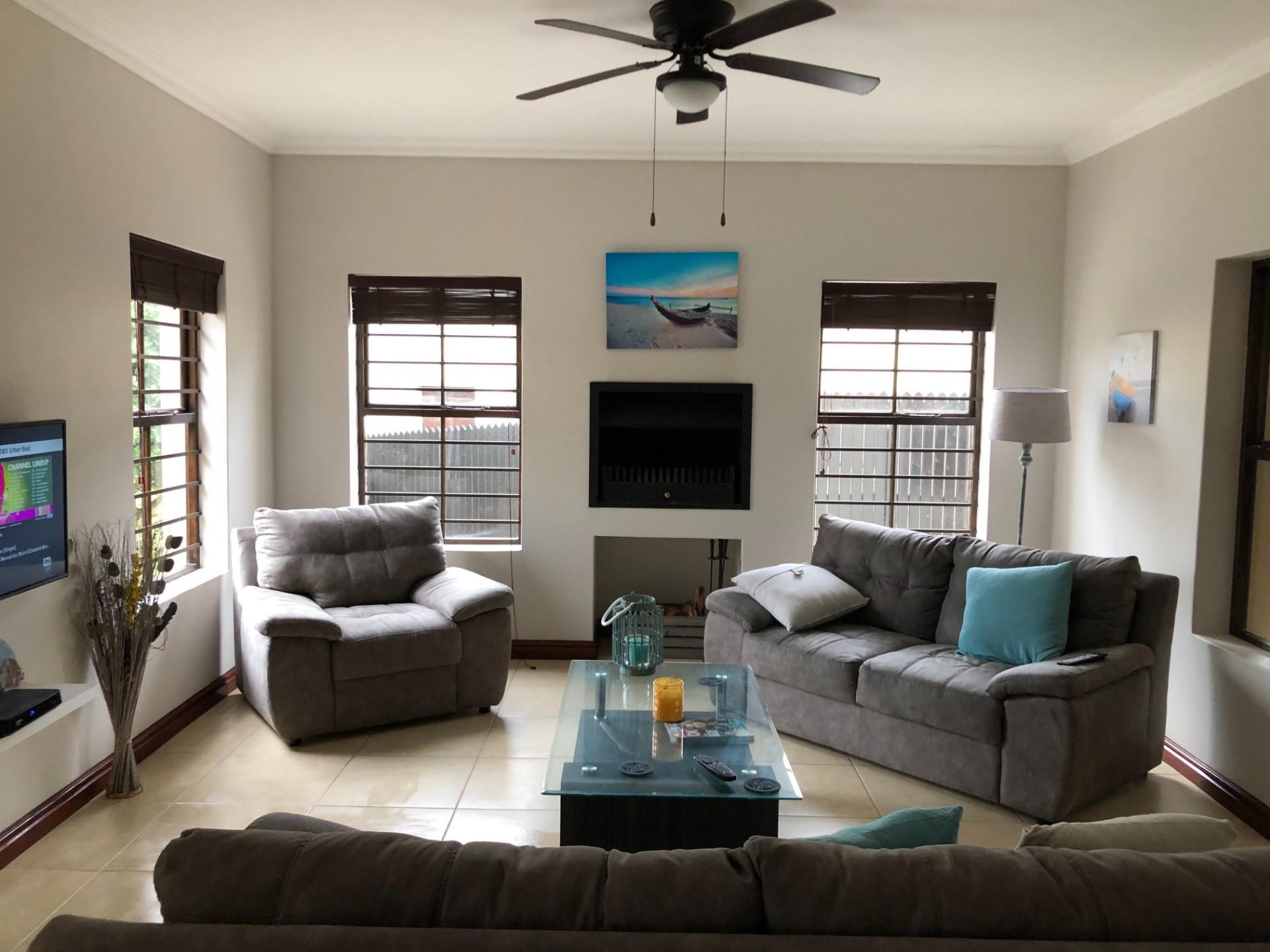 3 Bedroom House To Rent in Zeegezicht