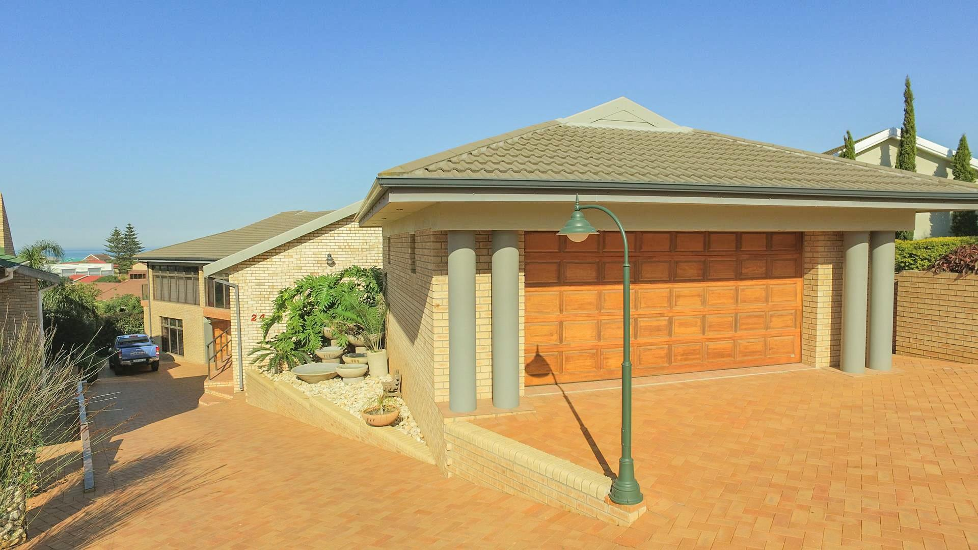 6 Bedroom House For Sale in Ferreira Town