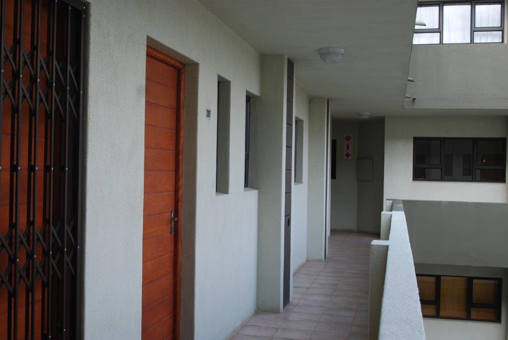 1 Bedroom Flat For Sale in Ferreira Town