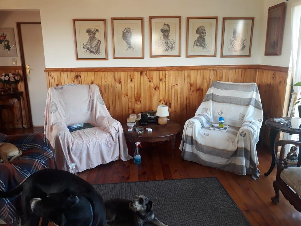 3 Bedroom House For Sale in Oyster Bay
