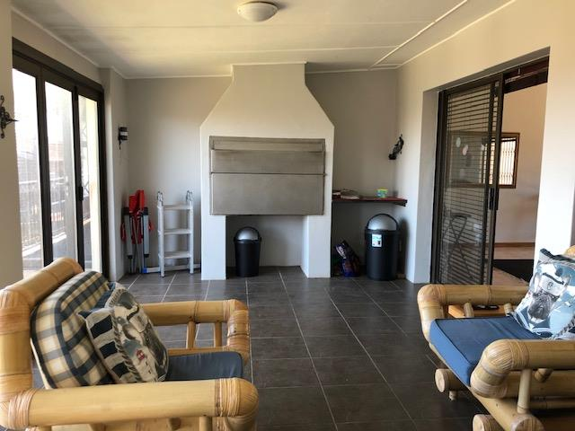 3 Bedroom House For Sale in Wavecrest