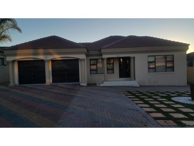 5 bedroom house for sale in bendor park for zar 2 400 000 for 5 bedroom house for sale