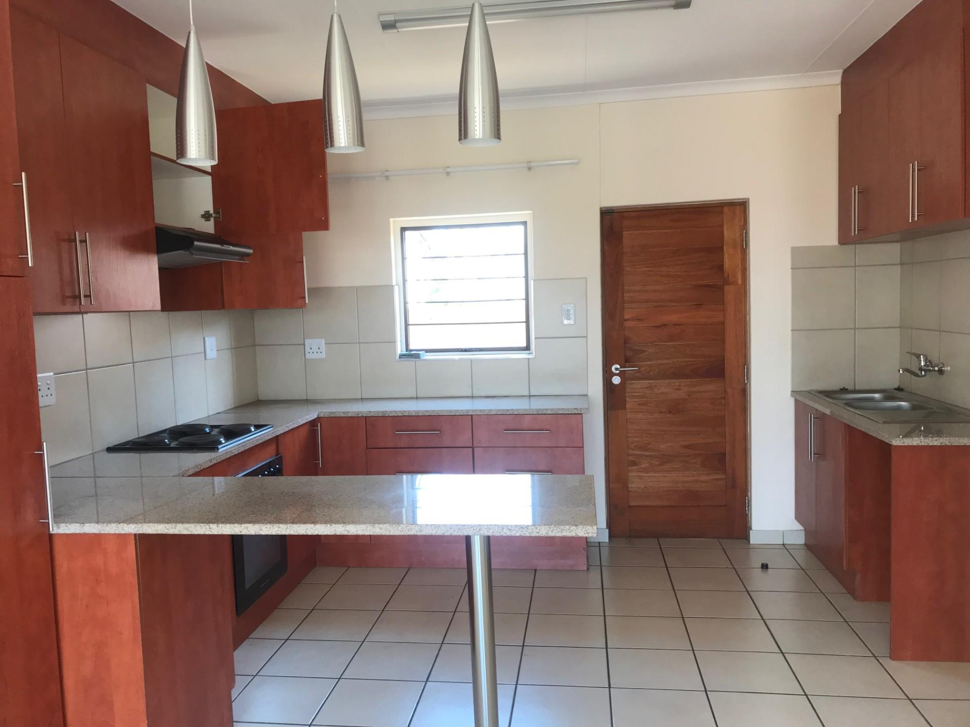 3 Bedroom House To Rent in Die Heuwel
