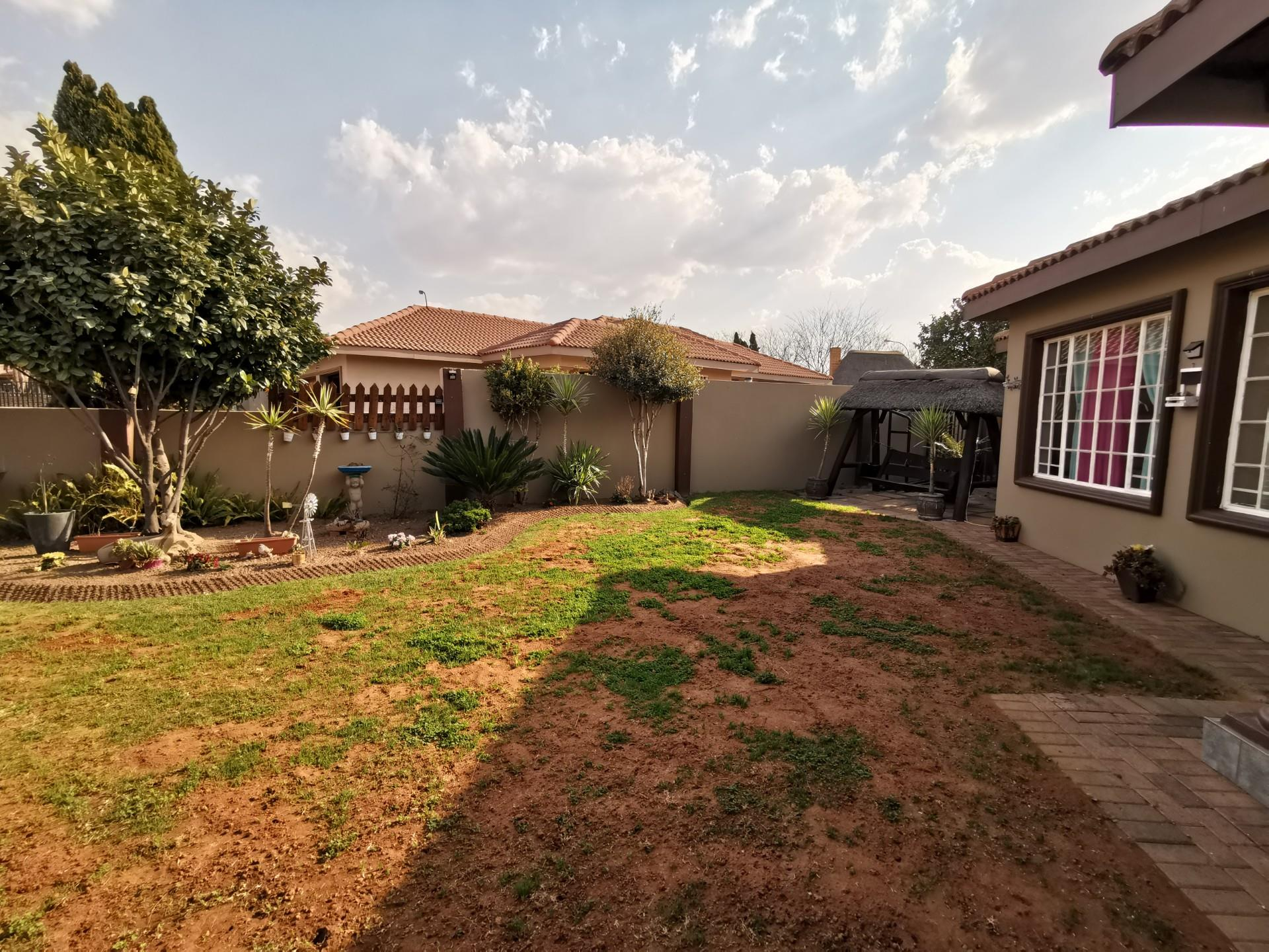 4 Bedroom Town house For Sale in Kriel