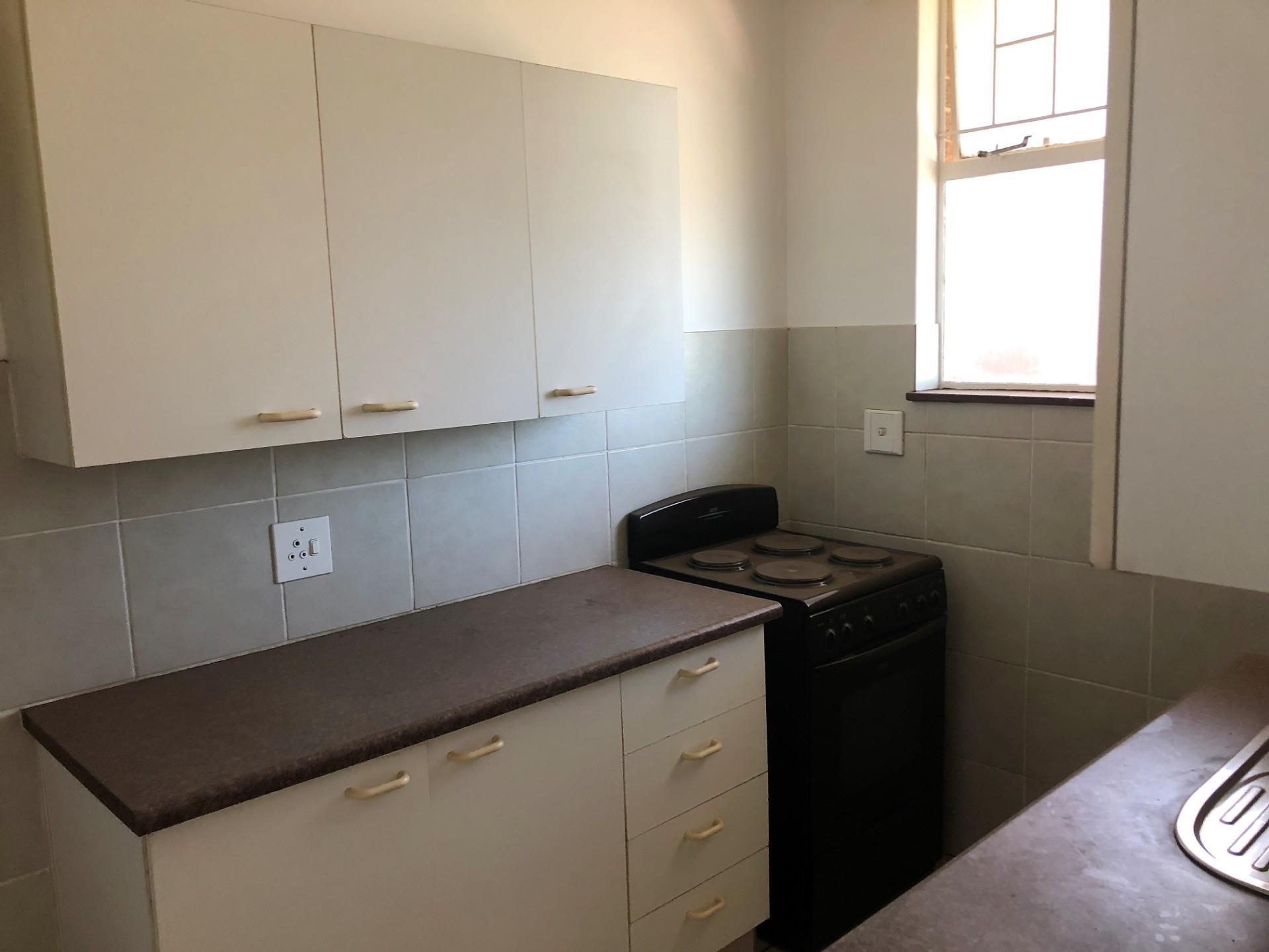 1.5 Bedroom Apartment For Sale in Weavind Park