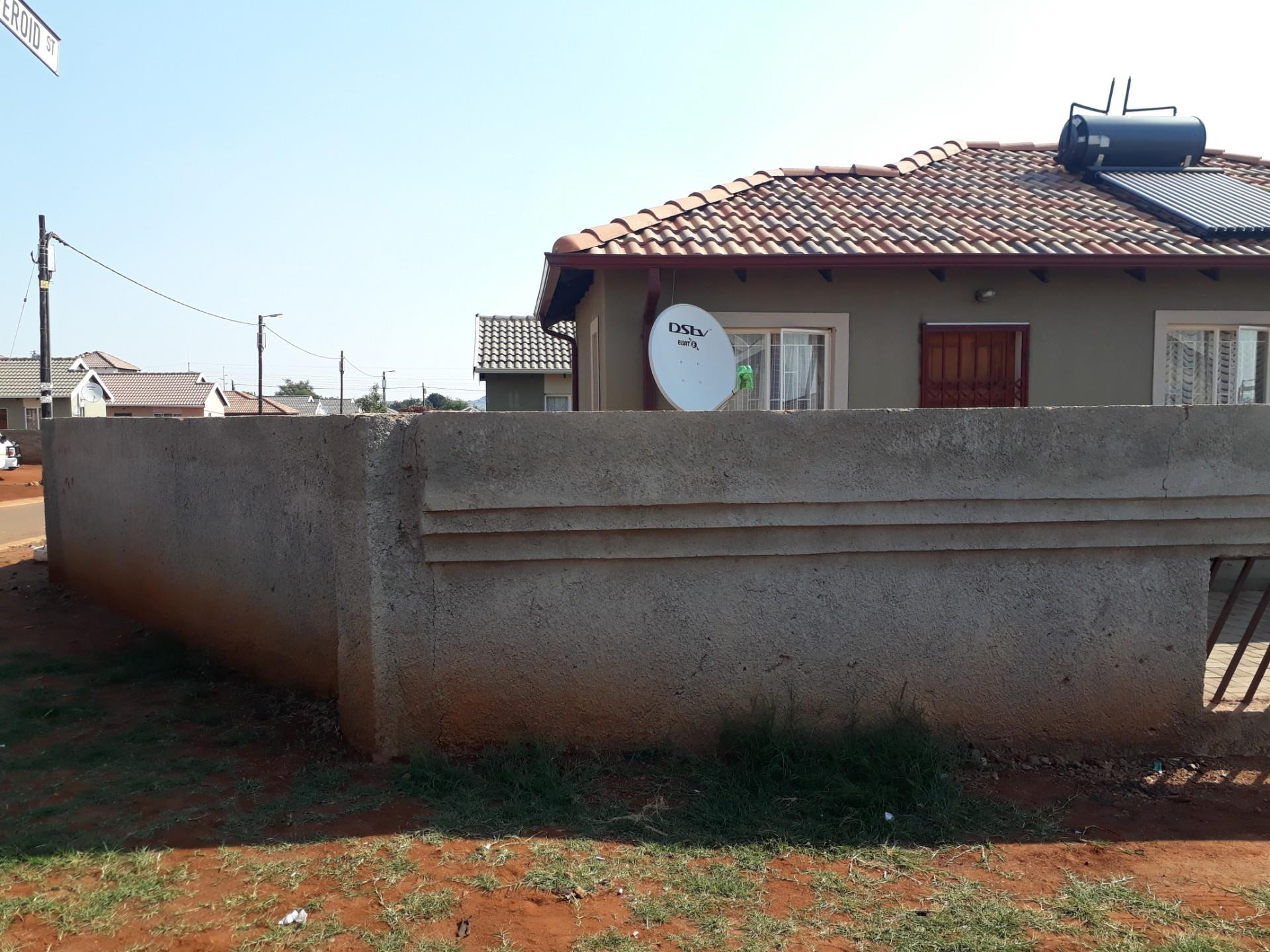 3 Bedroom House For Sale in Rosslyn