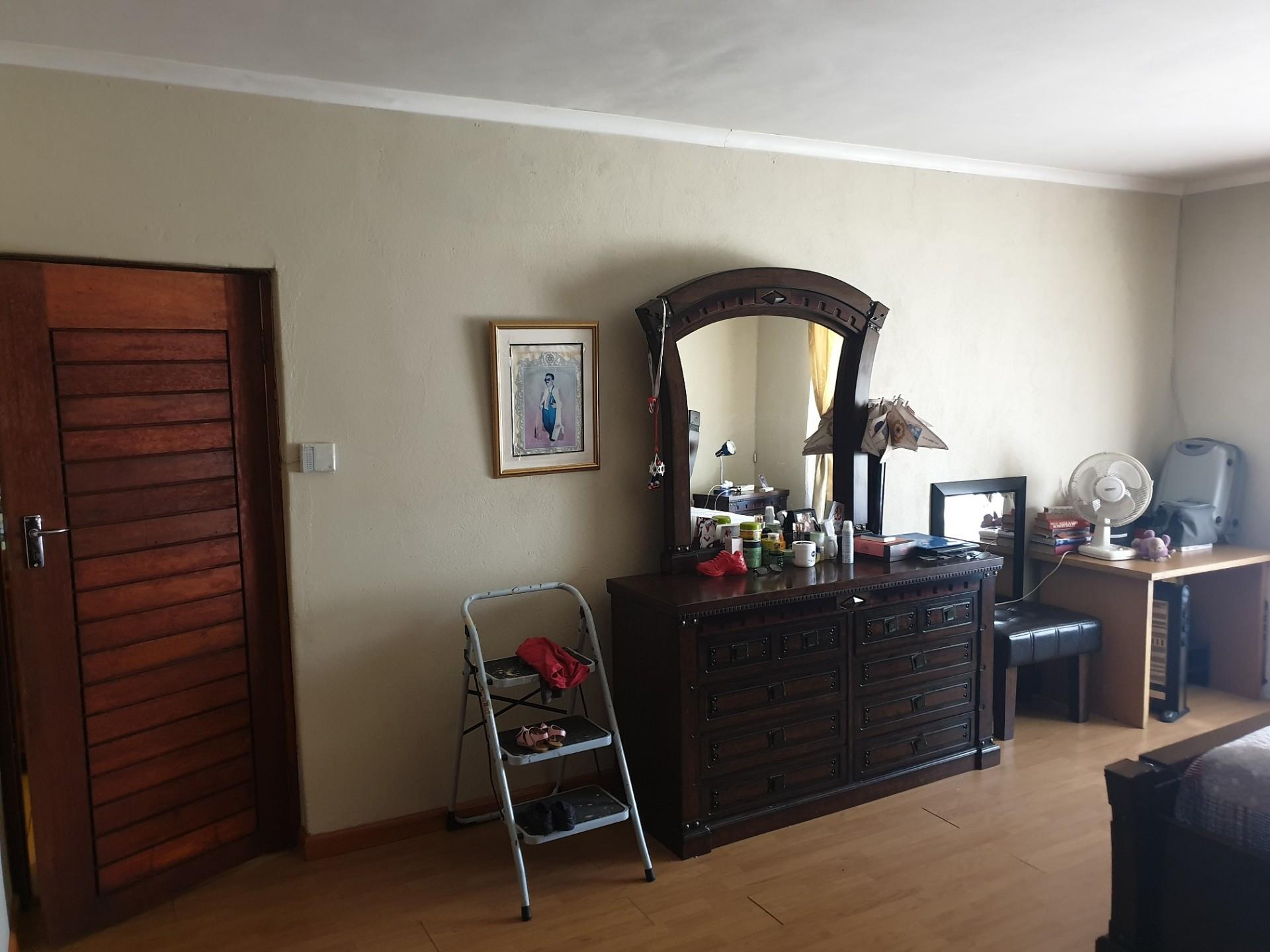4 Bedroom House For Sale in Lady Selborne