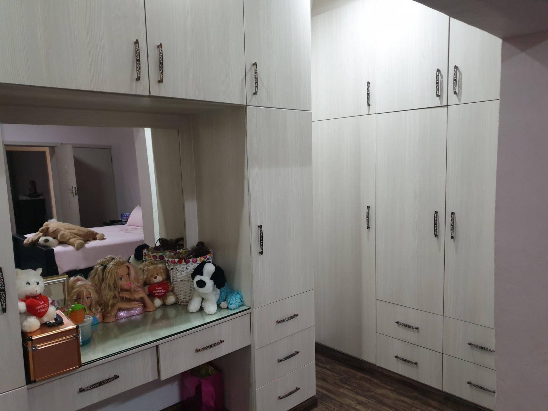 4 Bedroom House For Sale in Wonderboom South