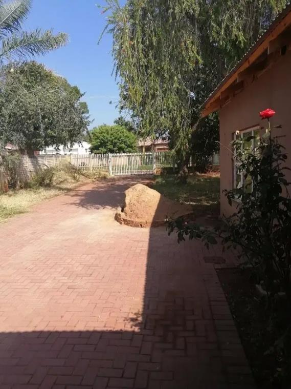 3 Bedroom House For Sale in The Orchards