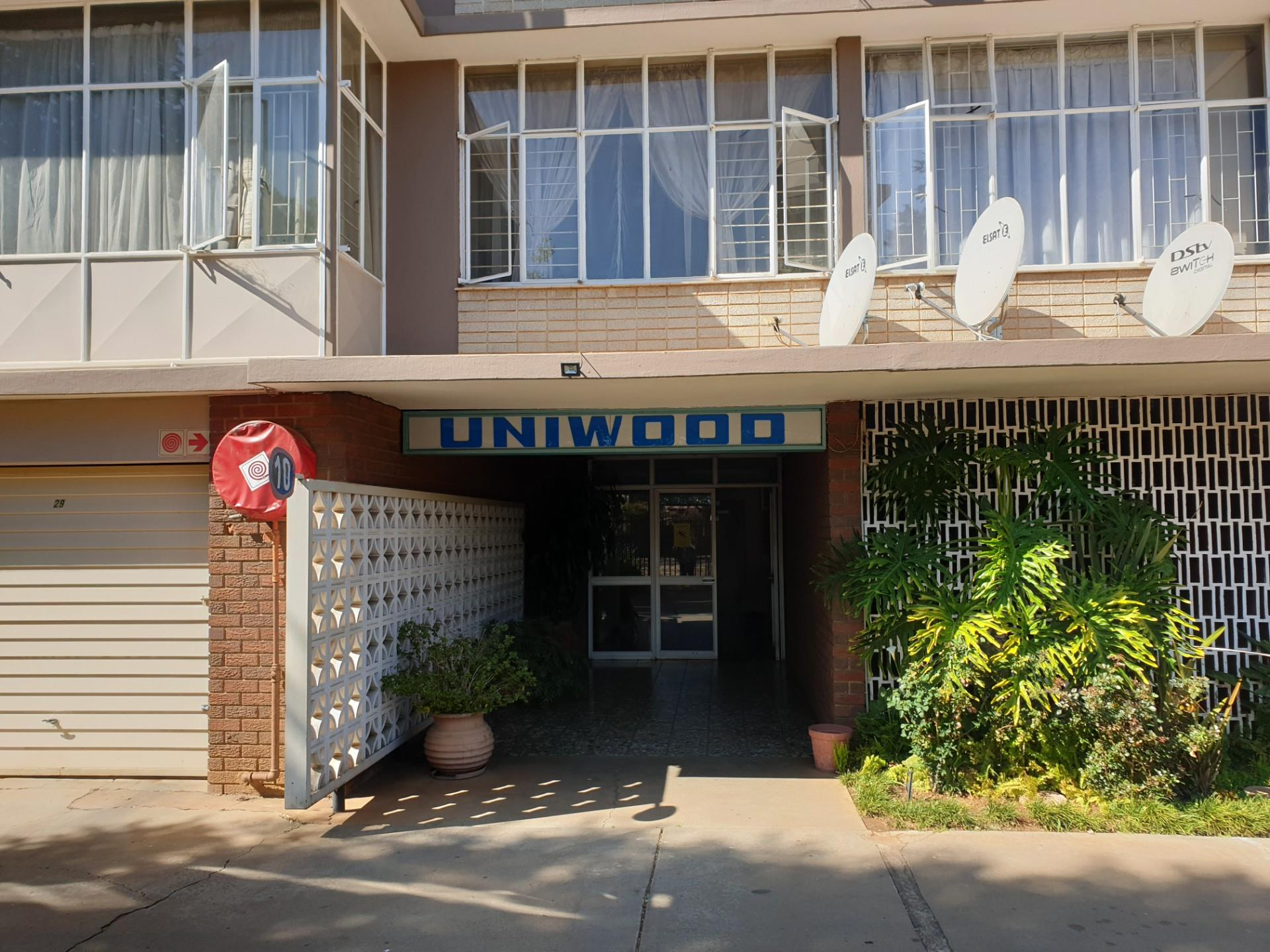1.5 Bedroom Apartment / Flat For Sale in Queenswood